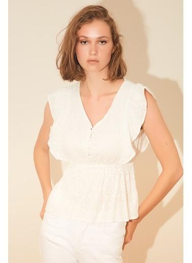 Reyon Kol Fırfırlı Bel Büzgülü Bluz Beyaz Beyaz